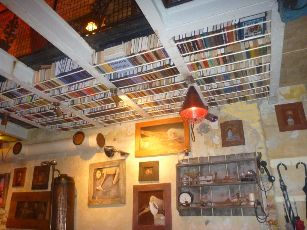 Piątkowe Picie: The First Six Socialist Communist Bars I Drank in in Poland