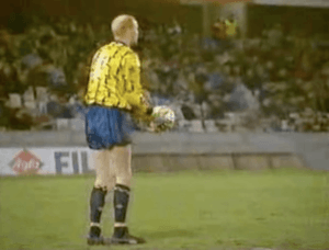 Śmieszne Historie o Piłce Nożnej w Polsce: Oh He Can't Believe It Can He? Northern Ireland 3-1 Poland, February 1991