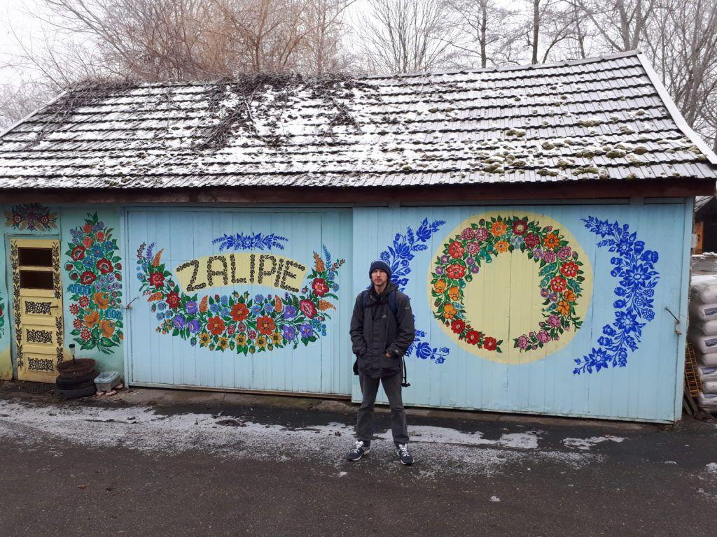 Magiczne Miasto: Touring the Beautiful Flower Covered Village of Zalipie